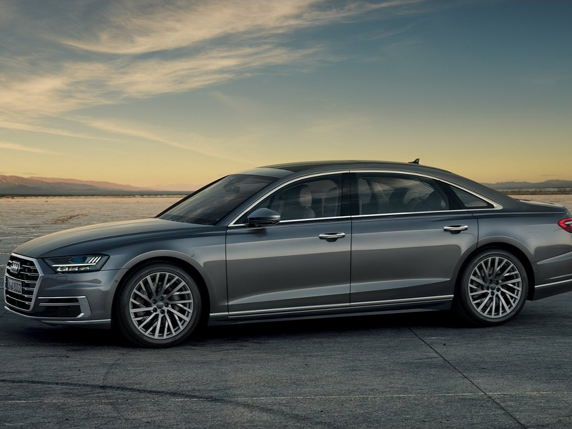 4-audis-a8-prioritizes-comfort-and-convenience-for-the-driver-and-passenger-with-features-that-make-uncomfortable-situations-less-stressful