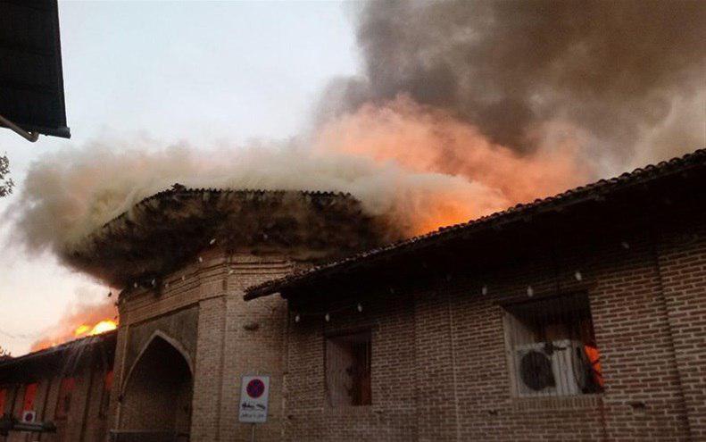 مسجد جامع ساری آتش گرفت + عکس