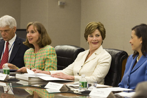 Laura_Bush_US_Afghan_Womens_Council_Roundtable_2006
