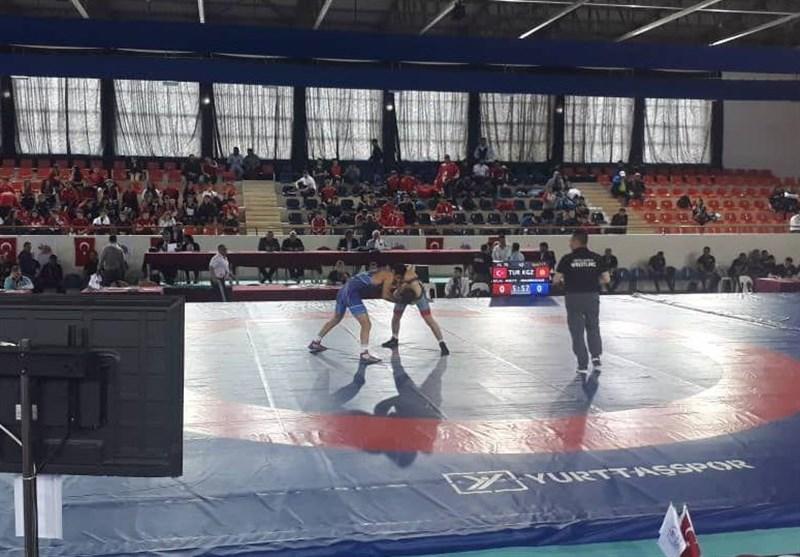 رقابتهای کشتی آزاد جوانان جام قهرمانی ترکیه؛ اشکیور و شیخ اعظمی به مدال برنز دست یافتند