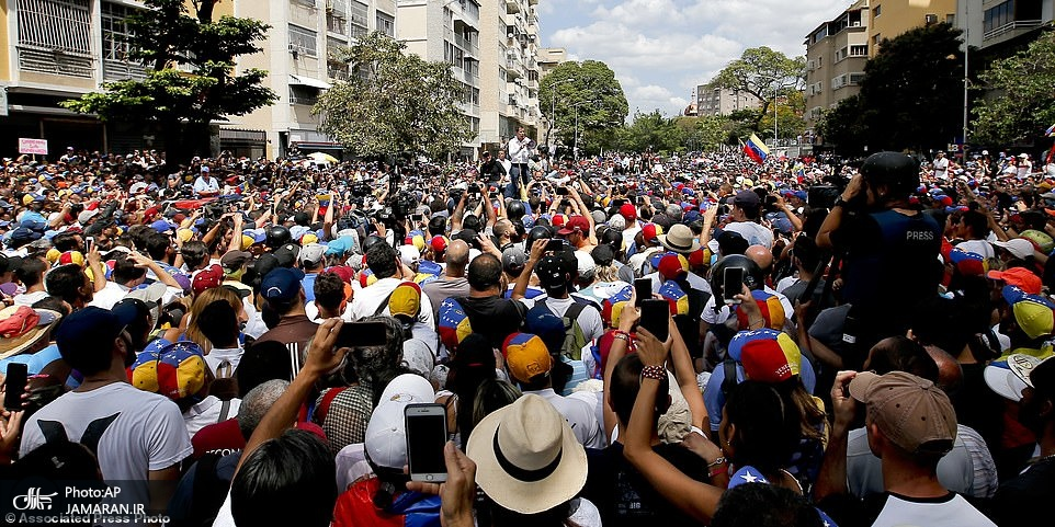10787156-6789761-The_leader_of_Venezuela_s_National_Assembly_Juan_Guaido_who_decl-a-82_1552192100719