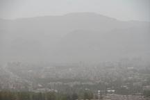 گرد و غبار 22 استان کشور را درگیر کرد