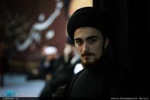 واکنش سید احمد خمینی به انتقاد از نحوه حضور در یک هیأت عزاداری: عذرخواهی می کنم