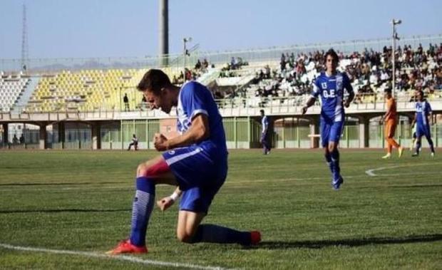 پیروزی گل گهر سیرجان و یک گام تا صعود به لیگ برتر