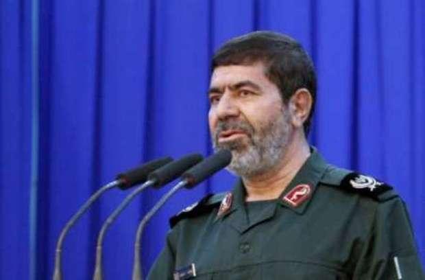 انقلاب اسلامی با اقتدار مقابل هجمه های دشمن ایستاده است