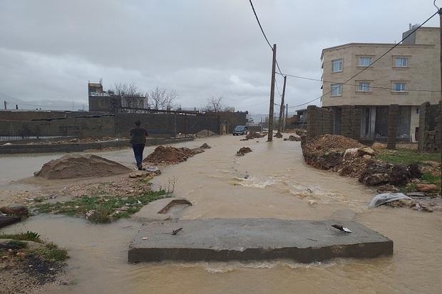 سیلاب وارد منازل محله بختیاری های یاسوج شد