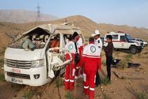 13 کشته و مجروح در حادثه واژگونی خودروی ون در فارس