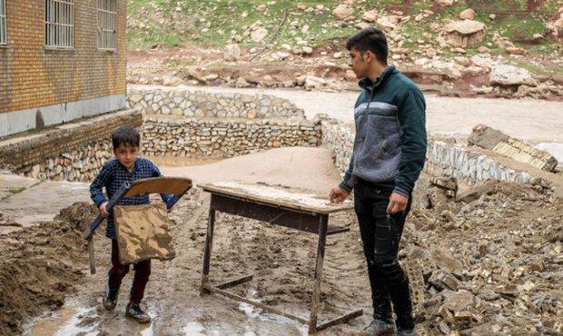24 هزار جلد کتاب برای دانش آموزان مناطق سیلزده لرستان تهیه شد