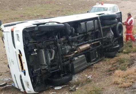 واژگونی مینیبوس دانشجویان دانشگاه آزاد واحد بناب/ 6 نفر مصدوم شدند