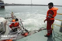 نجات سه سرنشین یک فروند قایق صیادی در جاسک