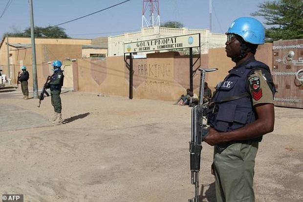 عکس/ حمله گسترده به نیروهای فرانسوی در آفریقا