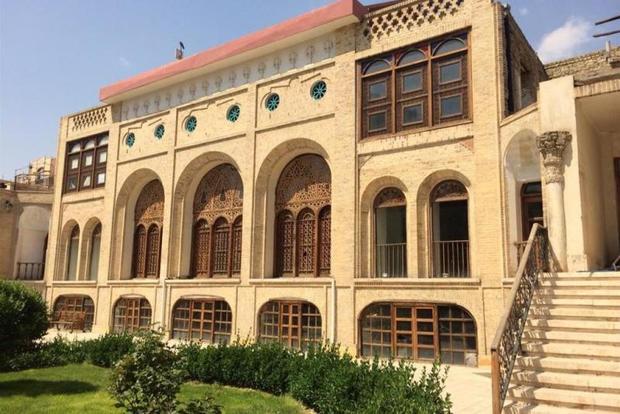 نمایشگاه ادوات موسیقی ایرانی در عمارت کاظمی پایتخت برگزارشد