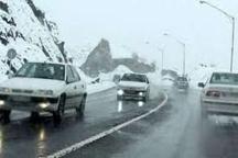 بارش برف در محور کرج-چالوس لغزندگی در تمامی محورهای استان البرز