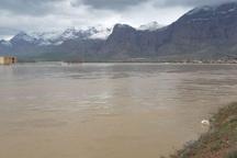 مردم به هیچ وجه به رودخانه ها نزدیک نشوند