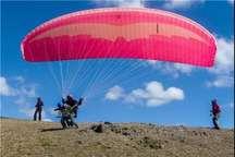 سقوط پاراگلایدر در ارتفاعات سلسله  اورژانس هوایی خلبان را نجات داد