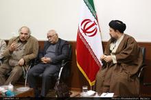 دیدار جمعی از شاعران با سید حسن خمینی-1