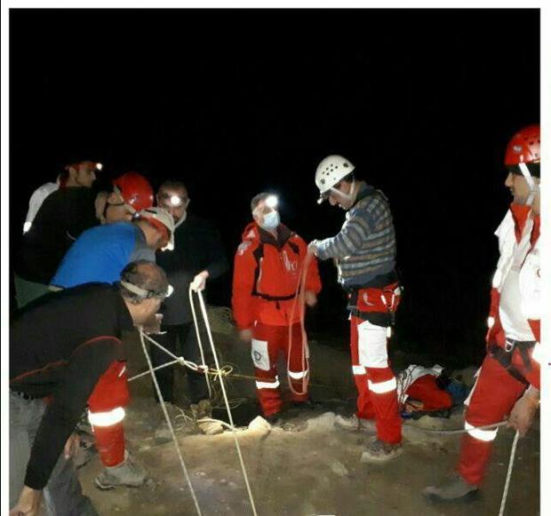 حفاری غیرمجاز در غار اسپهبد خورشیدسوادکوه مصدوم بر جای گذاشت
