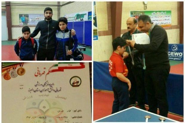 دانش آموز البرزی نایب قهرمان مسابقات نونهالان تنیس روی میز کشور شد
