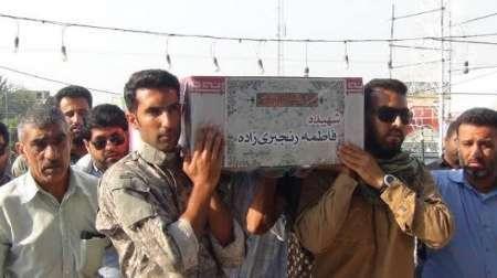 پیکر شهیده مینابی حادثه تروریستی تهران در میناب تشییع و به خاک سپرده شد