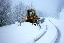 برف راه ارتباطی روستاهای سلسله را مسدود کرد