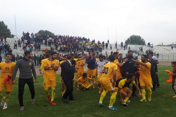 تیم فوتبال 90 ارومیه مقابل آلومینیوم اراک به پیروزی رسید