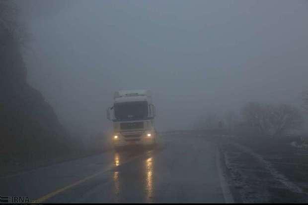 هراز و فیروزکوه لغزنده و مه آلود است