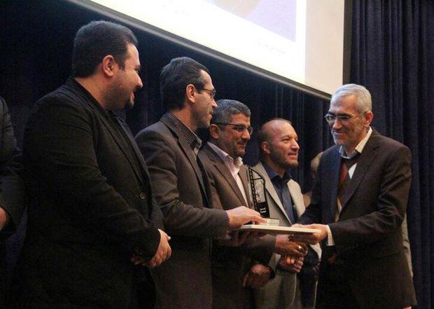 عکاس شهرکردی برنده جشنواره ایثار شد