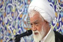 امام جمعه بندرعباس: شورای شهر بر کیفیت کارهای شهرداری نظارت کند