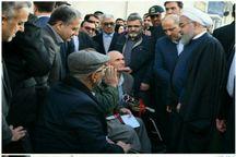 دیدار صمیمی رییس جمهور با جانبازان گرگانی در خیابان