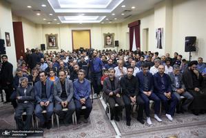دیدار کارکنان حرم و موسسه تنظیم و نشر آثار امام خمینی(س) با سید حسن خمینی