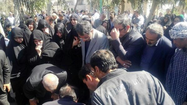 مراسم خاکسپاری پدر فرجیدانا برگزار شد
