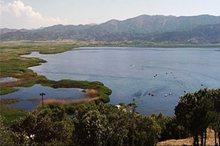 ورود فاضلاب به دریاچه زریبار قطع می شود