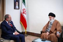 رهبر معظم انقلاب:  بر خلاف میل آمریکا باید روابط مستحکم و دوستانه داشته باشیم