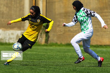 تیم فوتبال بانوان سپاهان پارس بوشهر را با هفت گل شکست داد