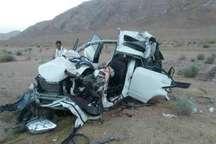 تصادف کامیون با سواری در محور آباده شیراز 2 کشته برجا گذاشت