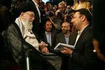 شاعر کرمانشاهی کتاب شعر خود را تقدیم رهبر معظم انقلاب کرد