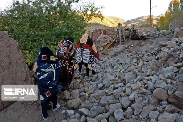 ۲۳۷۰ تخته چادر بین زلزلهزدگان میانه توزیع شد