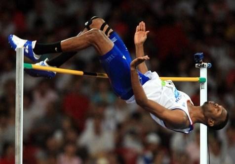 نایب قهرمان المپیک ۲۰۰۸ مقابل چشمان بولت کشته شد