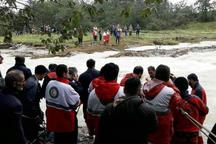 پیکر یکی از سرنشینان خودرو در رودخانه فومن پیدا شد