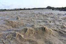 رودخانه فصلی 'جبل' شهر کوهپایه طغیان کرد