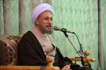 نماینده ولی فقیه درفارس:دفاع از انقلاب ازحالت خطابه خارج شود