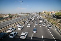ترافیک در آزادراه های البرز نیمه سنگین است
