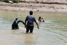 مرگ جوان اصفهانی در زایندهرود به دلیل اعلام دیرهنگام به آتش نشانی/ عکس