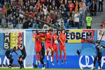 حاشیه و تصاویر تقابل بلژیک و فرانسه در نیمه نهایی جام بیست و یکم + فیلم