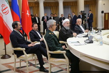 روحانی: راهبرد ایران در منطقه براساس همکاری، هماهنگی و صلحطلبی بنا نهاده شده/ تداوم مبارزه با تروریسم در سوریه ضروری است/ بعضی از قدرتهای مدعی حقوق بشر برای اهدافشان از تروریسم و خشونت استفاده گسترده میکنند
