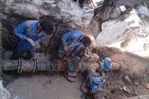 شکستگی انشعاب اصلی آب اسلامشهر ترمیم شد   لایروبی غیر اصولی شهرداری لوله را شکست