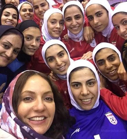 مهناز افشار: حضور در ورزشگاه آزادی دغدغه ماست/ عقاید کهنه باید تصحیح شوند