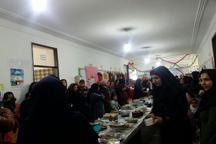 برگزاری جشنواره و نمایشگاه غذاهای سنتی و دست ساخته های سوادآموزان در سنندج