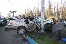 برخورد خودروی سمند با تیر چراق برق در انزلی یک کشته برجای گذاشت