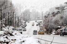 بارش برف محورهای شمالی استان تهران را سفید پوش کرد